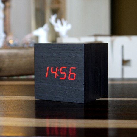 Cube Click Clock Red LED // Black