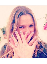 35 Celeb Instagrams You Need To See: Kate Moss's Thigh Slip, Drew Barrymore's Nail Art, And More