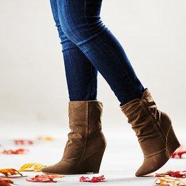 Fashion Savvy: Women's Boots