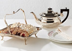 The Vintage-Inspired Tabletop
