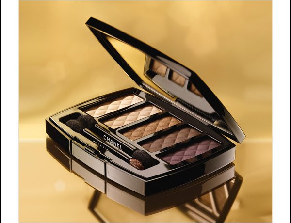 LIMITED EDITION For eyes that charm, discover the new OMBRES MATELASSÉES. From COLLECTION NUIT INFINIE DE CHANEL.