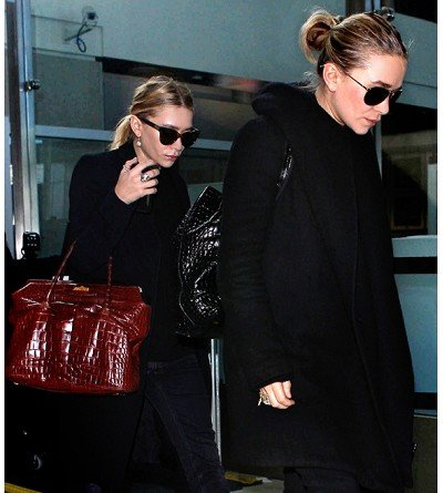 15 Easy Ways To Look Chic At The Airport