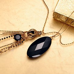 Trendy Now: Long Pendant Necklaces