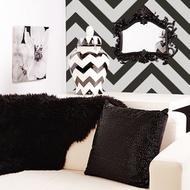 Black & White: Textiles & Décor