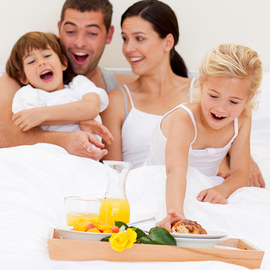 Breakfast in Bed: Trays & Bedding