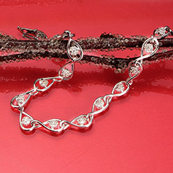Xmas Day Sale: Diamond Necklaces & Bracelets