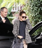 Nicole Richie Picks Big Name Designers For A Casual Outing