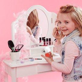 Beauty Shop: Pretend Play Toys