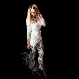 Effortless Style: Black & White