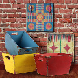 Primary Colors: Vintage-Inspired Décor