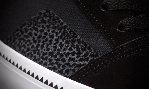 5_2_Southern_Black_Elephant_Detail