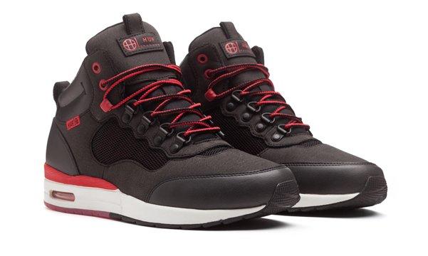12_1_HR1_Black_Sport_Red