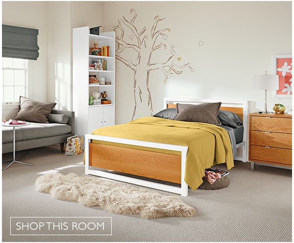 Teen bedroom with Piper bed