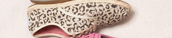 Black Snow Leopard Burlap Women's Cordones