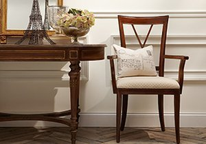 The Classic Cottage: Furniture