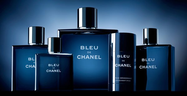 GIVE UNEXPECTEDLY This Valentine's Day, express your  love with a singular scent: the bold, profoundly sensual BLEU DE  CHANEL.