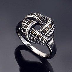 Inspiration: Glam Rock Style Jewelry