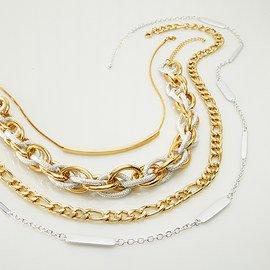 Metallic Moments: Women's Jewelry