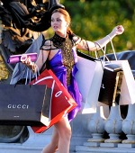 11 Signs You Have A Serious Shopping Habit