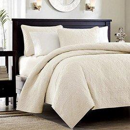 Classic White: Textiles