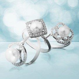 Polkadot Jewelry & More Pearls