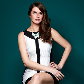 Breeze Into Style: Women's Dresses