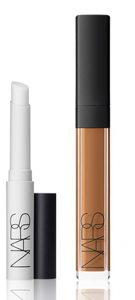 The ultimate duo to instantly smooth fine lines, reduce large pores and obscure imperfections.