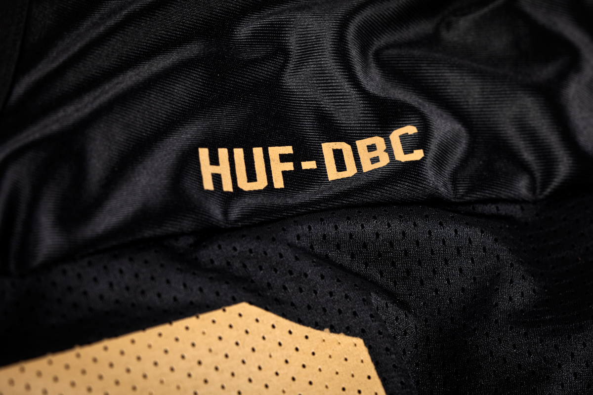 9_huf_x_wutang_Football_Jersey_front_detail2