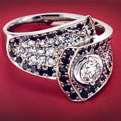 Luxe Rings: 18k Gold, Diamonds & More