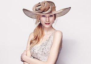 Dressy Hats feat. Giovannio & Emma B