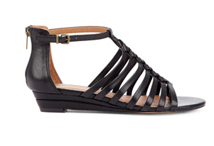 More sandals for every style. Shop Leighla