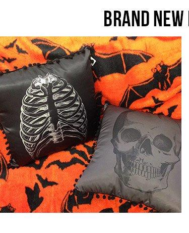 sourpuss-clothing-anatomical-skull-pillow
