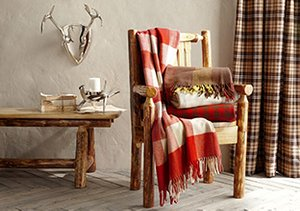 Lakeside Lodge: Furniture & Décor