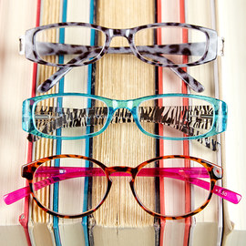 Seeing Clearly: Women's Readers