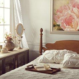 Vintage Chic: Bedroom