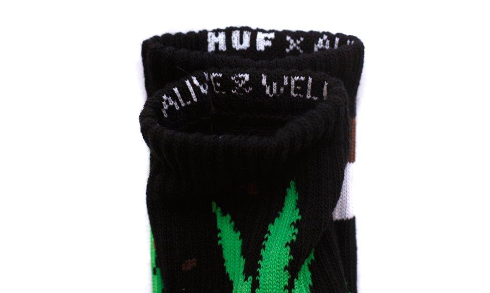 14_huf_alive_well_plantlife_socks_black_green_detail