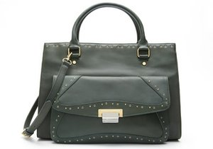Carry it All: Roomy Handbags