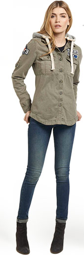 Delta Hooded Box Shirt