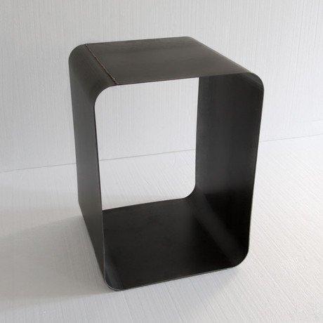 Jouir Side Table