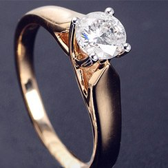 Summer Romance: Engagement and Wedding Rings