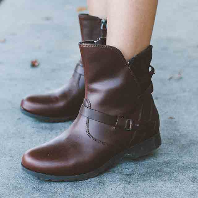 """My personal style is all about being confident in elegant & effortless  pieces. The De La Vina low boots are perfect all-year-round."""