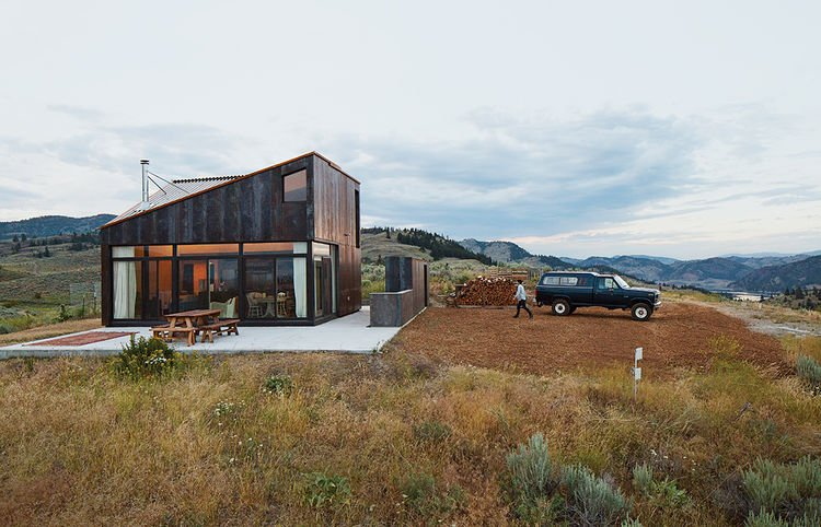 seeking solitude in the high desert - Prefab Modern Cabin
