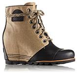 A mid-hi wedge boot with heel.