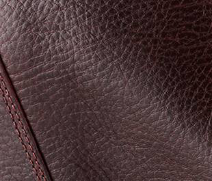 Close up of the pebbled leather.