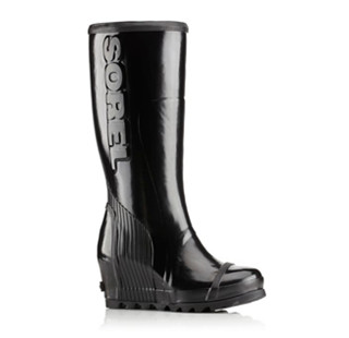 A tall wedge  rain boot
