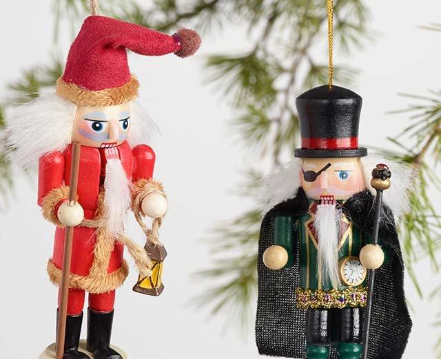 Shop All Ornaments ›