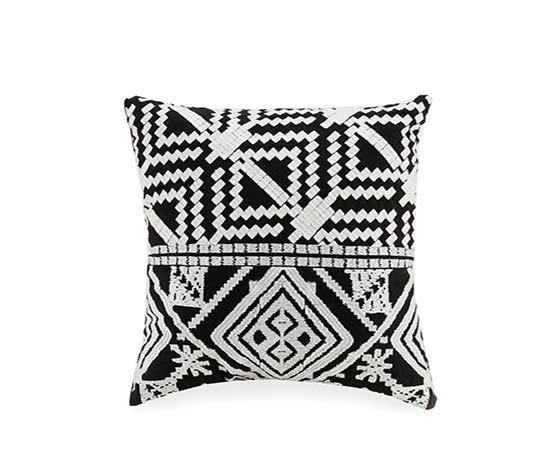 Bohemian Diamond Pillow in Black
