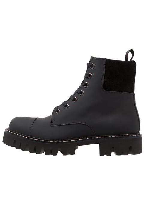 d028cb089f3cb Zalando AG: New Autumn, New Shoes | Milled