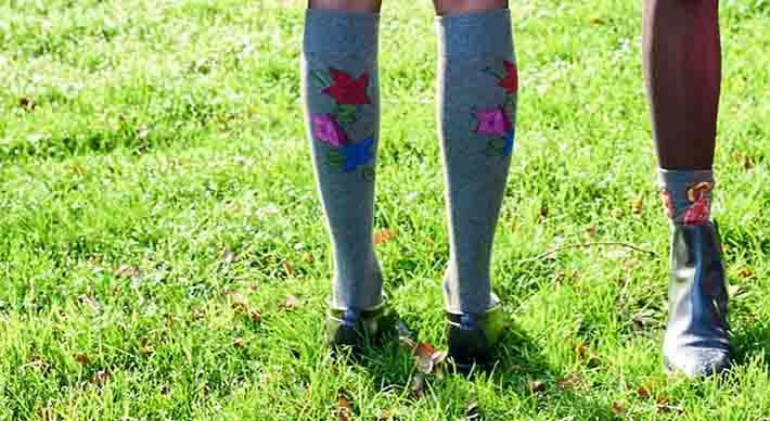 Placed Falling Flowers Socks in Charcoal Heather