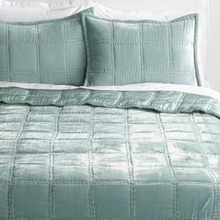 Save 30% Velvet Bedding ›